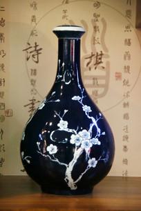 蓝地梅花纹二锅头酒瓶