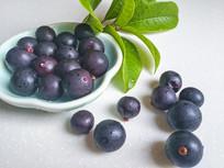一盘紫色水果