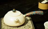 精美白陶陶瓷茶壶
