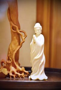 精美白色陶瓷佛像雕刻摆件
