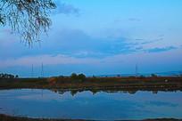 夕阳西下的河流风景