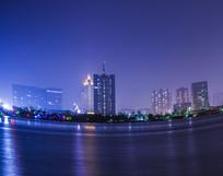 灯火辉煌的城市夜景