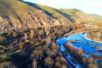 蓝色的森林小溪 航拍