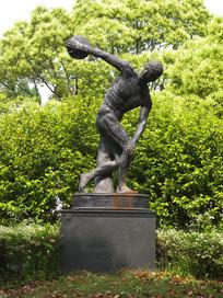掷铁饼者雕塑