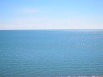 水天一色的青海湖