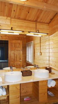 特色木屋洗手间