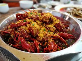 秀色可餐的川菜蒜蓉龙虾
