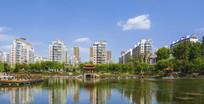 鞍山英泽湖与住宅建筑群