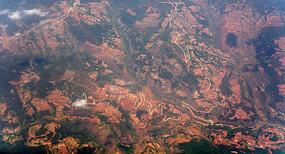 云贵高原的红土地