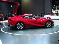 红色法拉利轿跑车