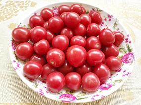 红色圣女果