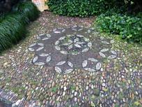 用石子拼起来的花纹图案