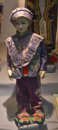 古代贵族男童服饰
