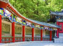 千山财神庙元辰殿左侧壁雕墙长廊