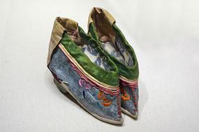 清代小脚绣鞋