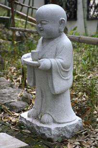 石雕小和尚品茶