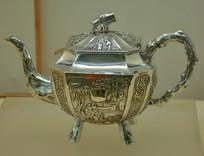 文物白银精品金炉献瑞纹茶壶