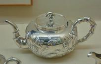 文物白银精品菖蒲花鸟纹茶壶