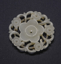 文物梅花图形玉片