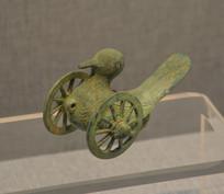 文物三轮铜鸠车