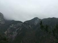 延绵起伏的山脉