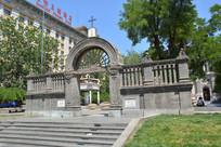 北京东堂大门