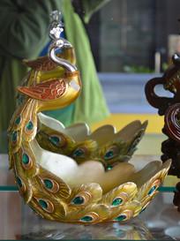 收藏品孔雀雕塑碗