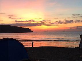 夕阳下的海滩