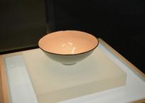 白釉铜口碗