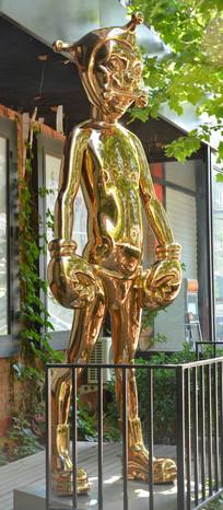 创意雕塑作品金色人生