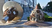 创意雕塑作品太空旅行