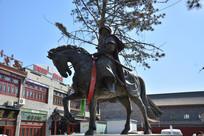雕像骑马的康熙帝