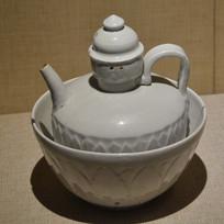 文物白釉莲瓣纹带温碗注壶