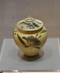 文物黄地黑花纹瓷罐