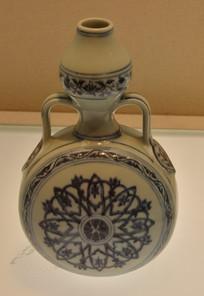 文物青花轮花纹缓带耳葫芦瓶
