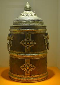 文物紫铜花纹奶桶