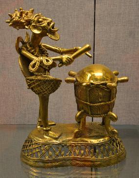 友谊外交文物击鼓人像雕塑