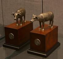 友谊外交文物金属牛摆件