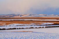 草原牧场雪景