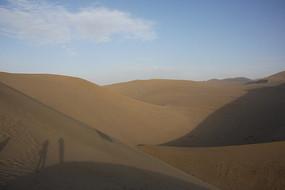 鸣沙山沙漠腹地