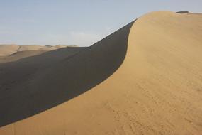 鸣沙山上的沙丘