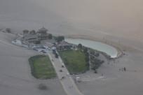 沙漠绿洲月牙湖