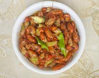 一盘红烧龙虾