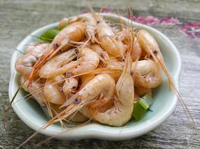 一小碟米虾