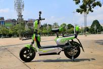 绿色电动车
