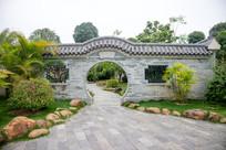 南宁园里的拱门建筑