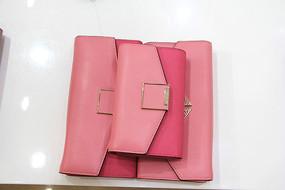 女士粉色钱包组合照正面