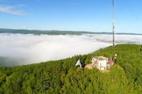 山顶的电视发射台