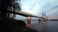 傍晚的二桥夜景