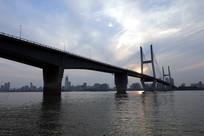 波光粼粼的二桥